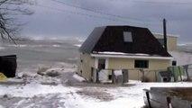 """Aux Etats-Unis et au Canada, des """"tsunamis de glace"""" surgissent hors de l'eau"""