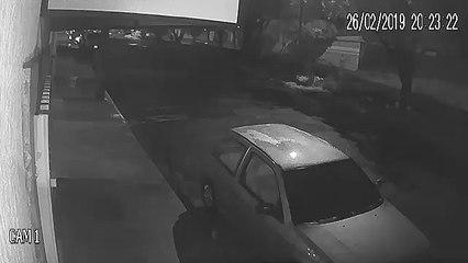 Vídeo mostra ladrões furtando carro em Birigui (SP)