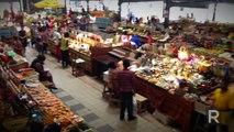 Marché de Fort-de-France : épices pour la sauce chien