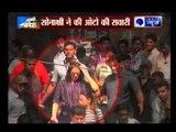 Sonakshi Sinha's auto rickshaw gets stuck in Jodhpur, crowd gathers around