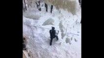 Cet Américain voulait déneiger sa terrasse…  Il s'est retrouvé enseveli par la neige du toit qui lui est tombé dessus