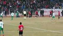 """L'incroyable but """"à la Maradona"""" d'un joueur en Turquie"""