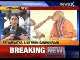PM Narendra Modi seeks mother's blessings
