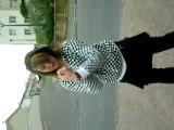 Audrey qui dance la tecktonik!