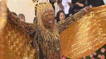 Met Gala 2019: Billy Porter Makes an Extravagant Entrance With Golden Wings!