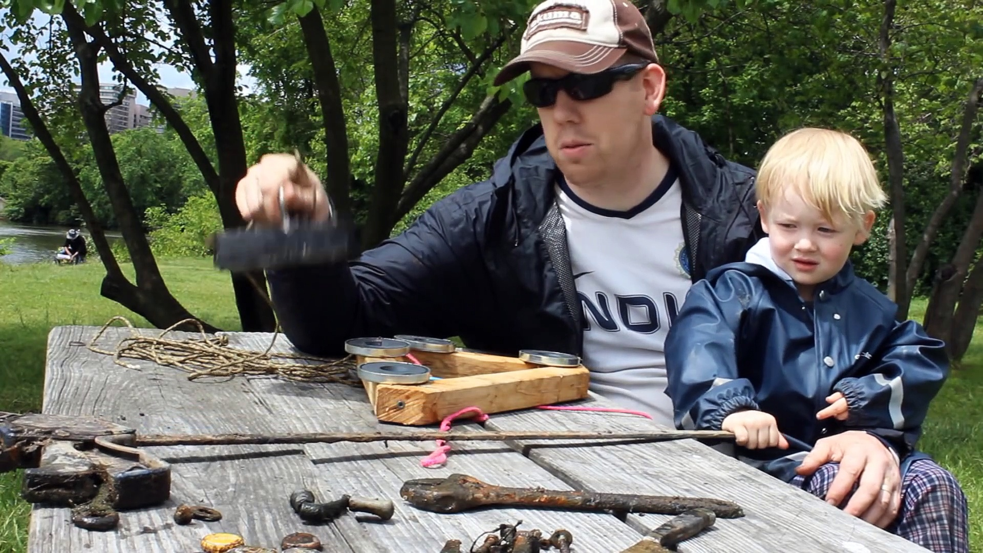 Magnet Fishing – Treasure & relic hunting with magnets