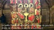 Sur des panneaux en bois, l'artiste Christoff Baron revisite la vie du Christ