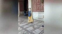 Baile de dos chicas en una mezquita acaba en prohibici´ón para los turistas