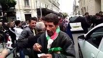 Un citoyen se moque d'Ouyahia devant le tribunal !