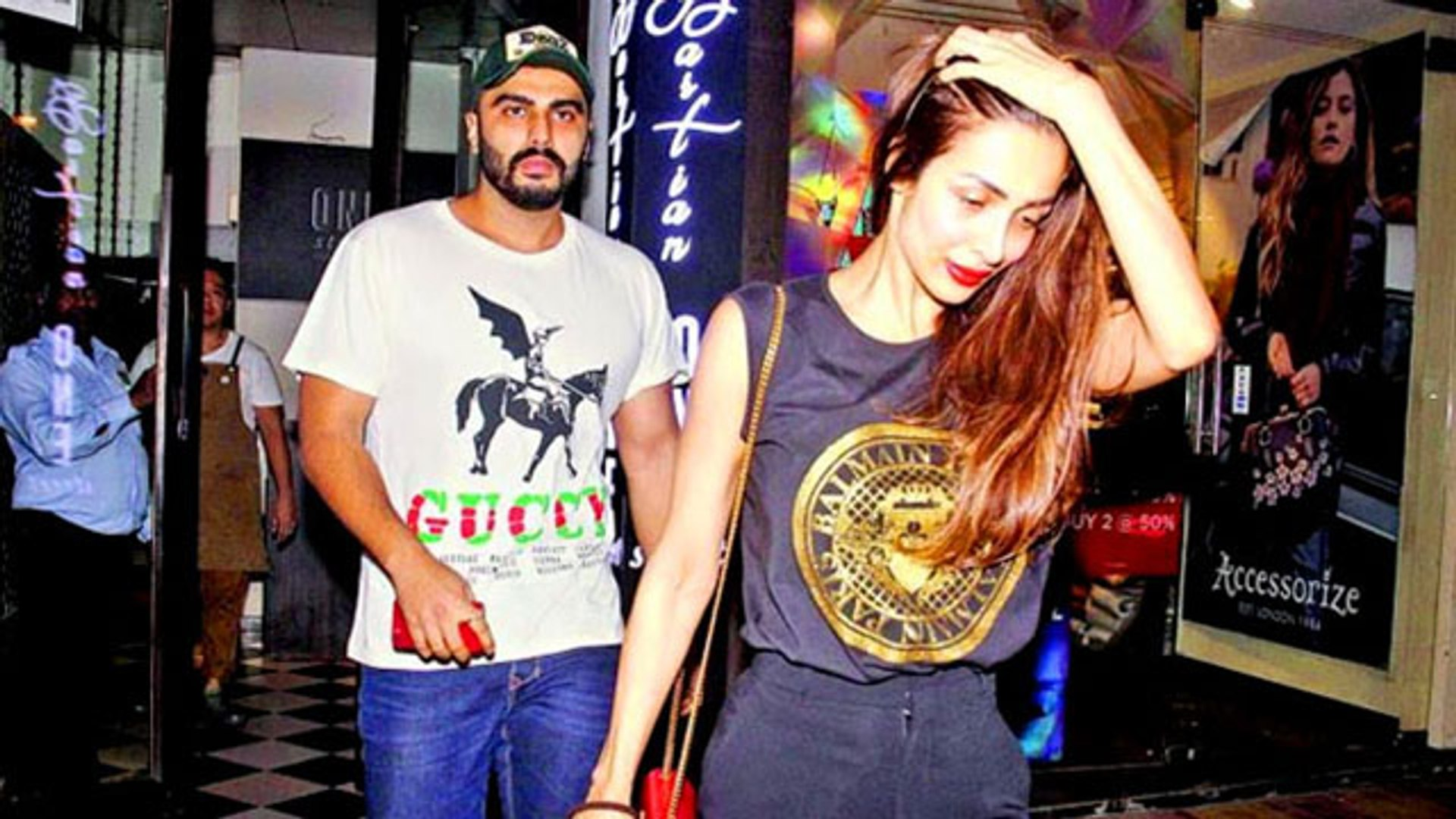 Malaika Arora & Arjun Kapoor To Get Married In A Church This Month