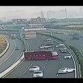 Un bus fait demi-tour sur l'autoroute pour ne pas prendre un péage !