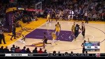 Kyle Kuzma a trouvé le moyen de faire défendre LeBron James...