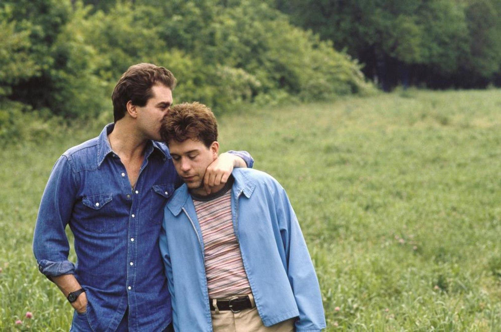 Dominick and Eugene Movie (1988) Ray Liotta, Tom Hulce, Jamie Lee ...