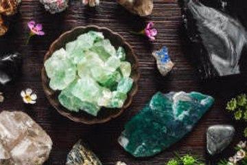 Steine, Kristalle und Mineralien, die deinem Sternzeichen entsprechen