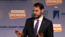 Hazine ve Maliye Bakanı Berat Albayrak:' Kimlerin hangi amaçlarla hangi motivasyonlar bir araya geldiğini görüyoruz. İşte bunu söylediğin zamanda birileri rahatsız oluyor. Bu seçim bir hizmet seçimi mi beka seçimi mi? Ben ikisini de öne
