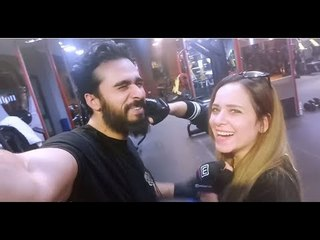 Mohamed Aamer  - ضحكت عليها مرتين في نفس الفيديو