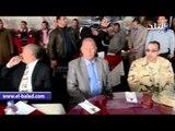 صدى البلد | محافظ بني سويف يكرم 44 من أسر شهداء الشرطة