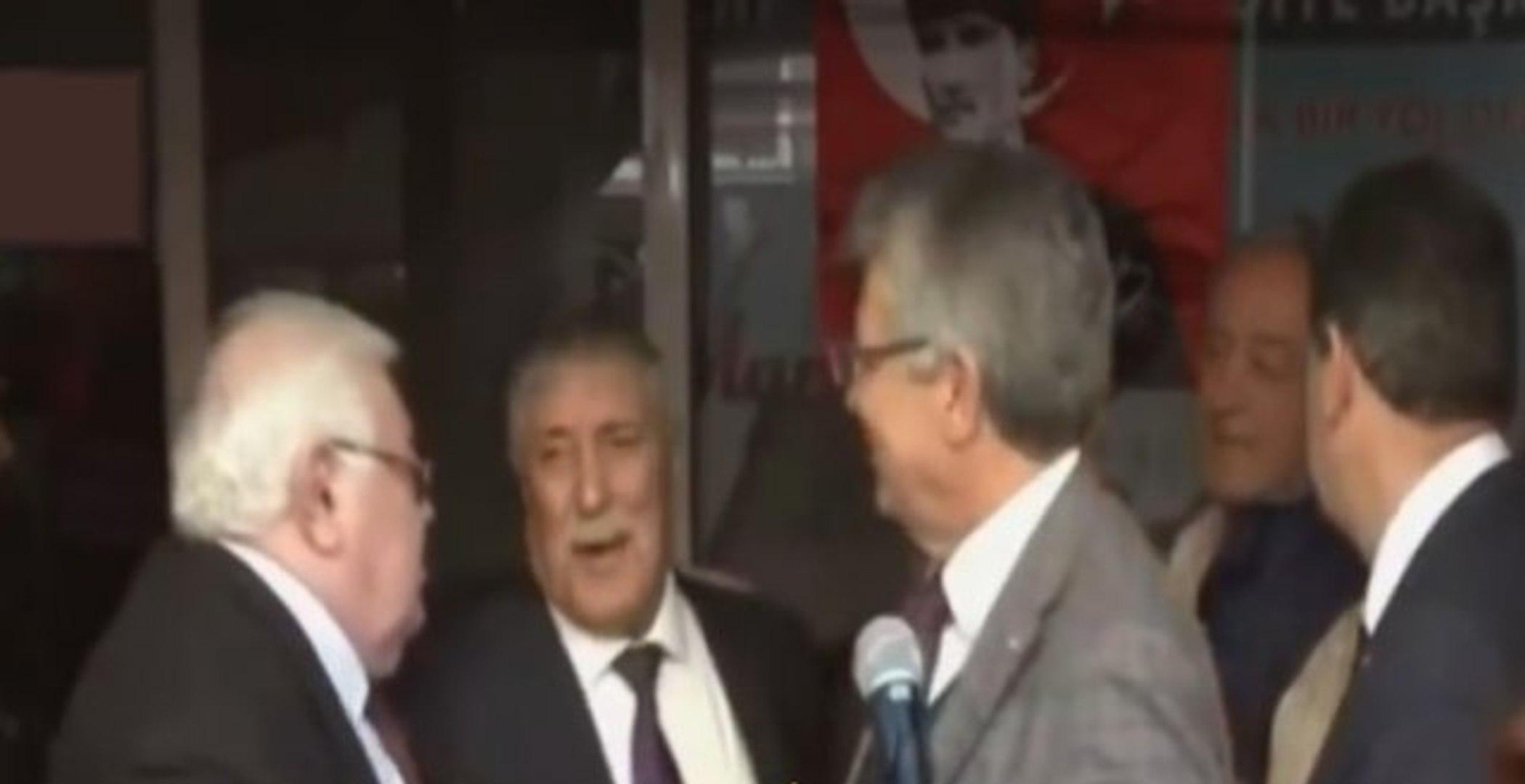 Mitingde Skandal! CHP'li İsimlerin Sela Okuyan Müezzine Hakaret Ettiği Anlar Açık Kalan Mikrofo