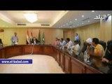 صدى البلد | محافظ الفيوم يمنح 5 ألاف جنيه لكل أسرة من ضحايا حادث الأردن