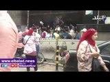 صدى البلد | طلاب التمريض يرشقون أبواب «التعليم العالي» بالحجارة