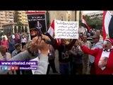 """العشرات يتظاهرون بميدان القائد إبراهيم بالإسكندرية تأييدا لـ """"السيسي"""""""