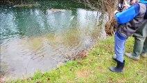Première truite de Leny, 9 ans, habitant à La Roche Vanneau