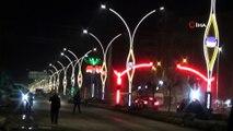 Yüksekova caddelerinde ışıklandırma çalışmaları devam ediyor