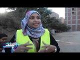 صدى البلد | صلاح وأسرته يقضون العطلة في إصلاح الطرق وجمع القمامة من الشوارع دون مقابل