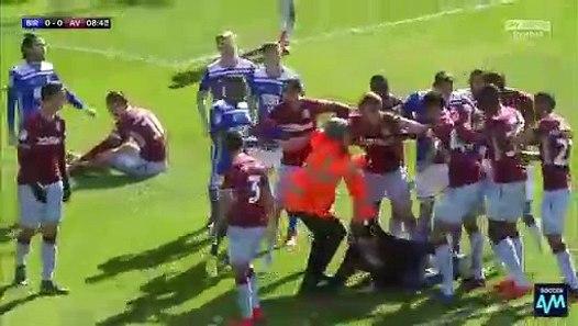 Football - Jack Grealish (Aston Villa) agressé par un ...