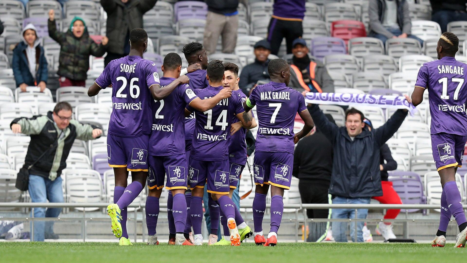Le but du succès toulousain contre Guingamp signé Yaya Sanogo