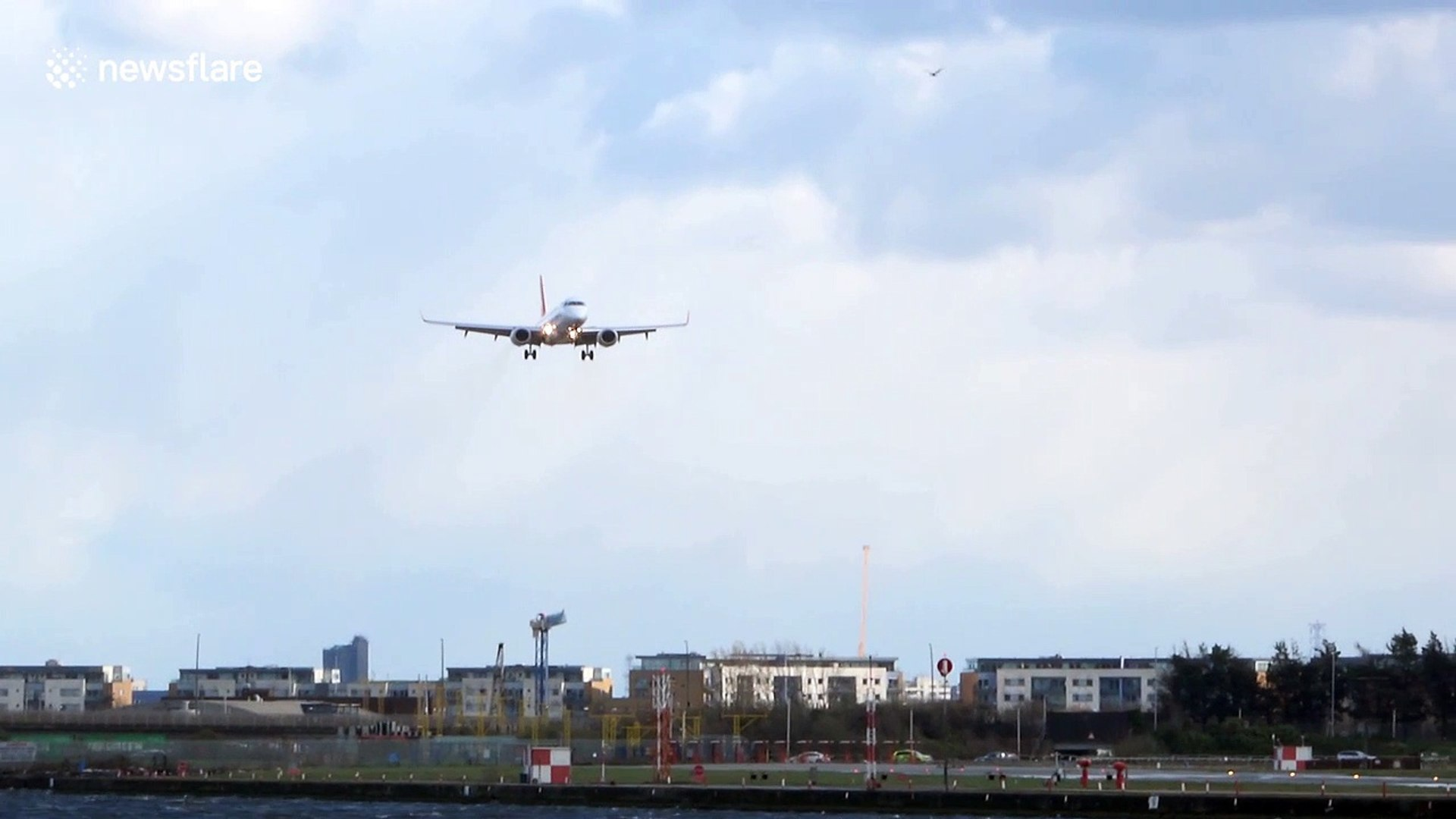 Plane twice aborts landing at London City Airport due to strong winds