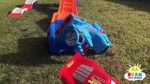CARS 3 Crazy Crash & Smash Step2 Roller Coaster Extreme Thrill Ride