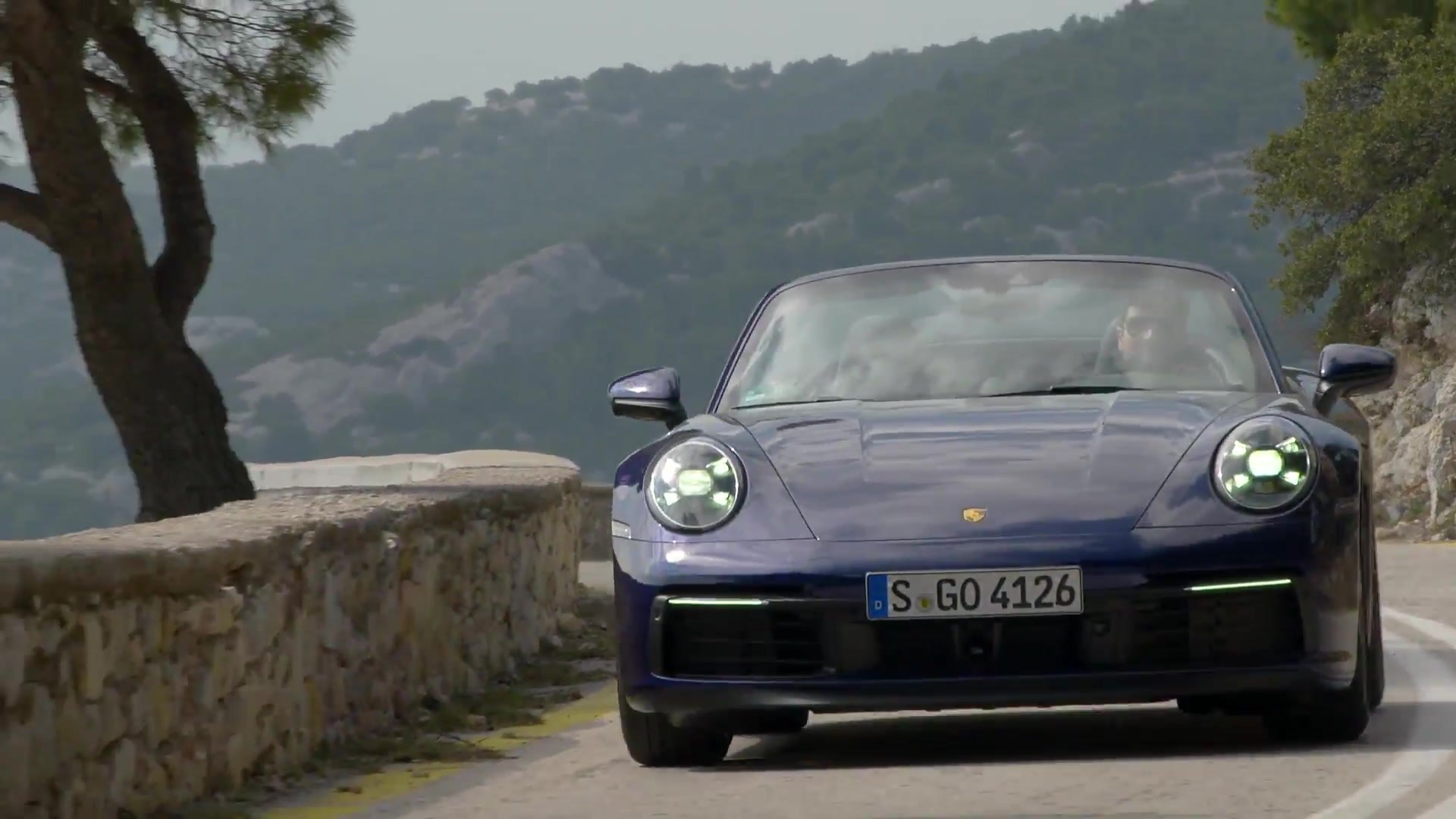 Porsche 911 Carrera 4s Cabriolet In Gentian Blue Metallic Driving Video Video Dailymotion