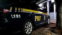 PRF apreende 14 quilos de maconha em carro que havia sido abandonado