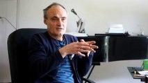 Philippe Val vient de publier un roman autobiographique « Tu finiras clochard comme ton Zola »