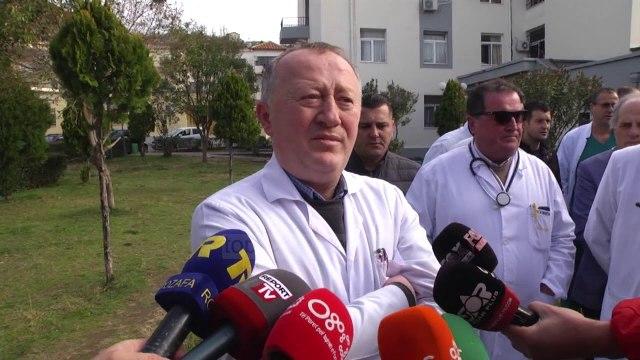 Dhuna ndaj mjekëve. Protestojnë punonjësit e Spitalit të Lezhës - Top Channel Albania - News - Lajme
