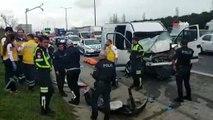 - E- 5 Hadımköy Avcılar istikametinde sıkışmalı kaza meydana geldi. Olay sağlık yerine sağlık ve polis ekipleri sevk edildi.