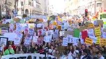 Miles de jóvenes piden medidas urgentes contra el cambio climático