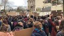 Plus d'un millier de lycéens Mayennais ont manifesté contre le réchauffement climatique