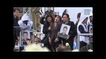 L'extrême émotion des proches de Shaoyo Liu rassemblés place de la République
