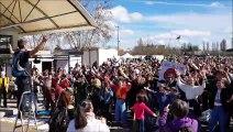 Marche pour le climat à Bourg: le clapping devant le marché couvert