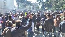 Report Tv - Opozita 4 orë marshime rreth kryeministrisë dhe sulmon Parlamentin