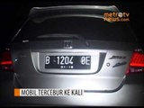 Sebuah Mobil 'Nyemplung' ke Kali