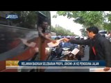 Relawan Bagikan Selebaran Profil Jokowi JK ke Pengguna Jalan