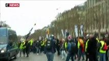 Violences à Paris  : les policiers pris pour cible