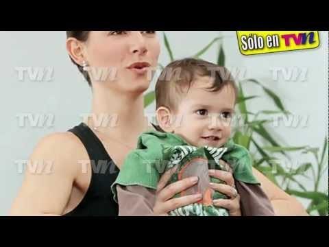 Claudia Lizaldi yoga baby