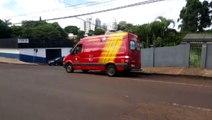 Mulher é atingida por carro na Rua Rio de Janeiro