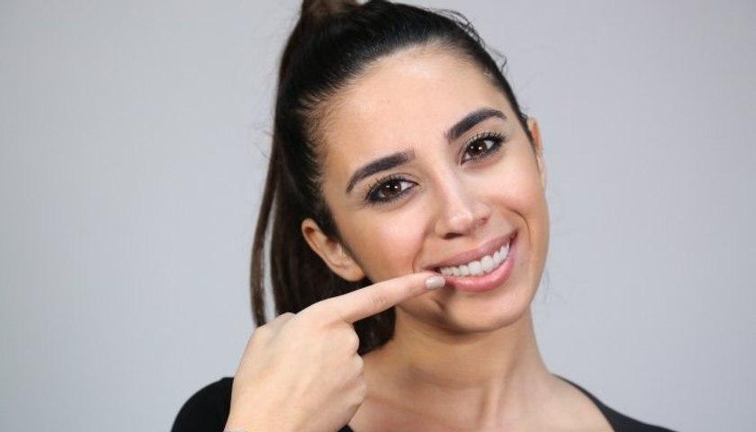 4 حيل ستمنحك أسنان ناصعة البياض لابتسامة جميلة