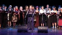 Ένα «μουσικό ταξίδι» στο ελληνικό χορωδιακό τραγούδι στο κατάμεστο Δημοτικό Θέατρο Λαμίας
