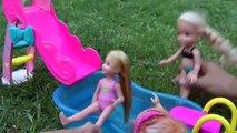 PISCINE de Plaisir ! ELSA & ANNA les tout-petits et Chelsea diapositive Shopkins dans l'eau! Splash De Natation De Jouer !